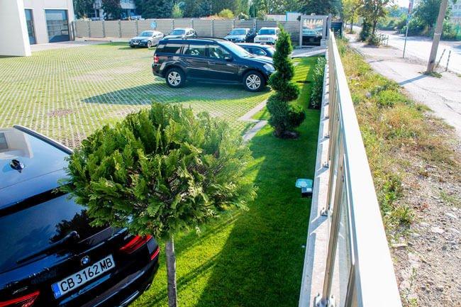 зелени-площи-зелен-паркинг-декоративна-растителност-озеленяване