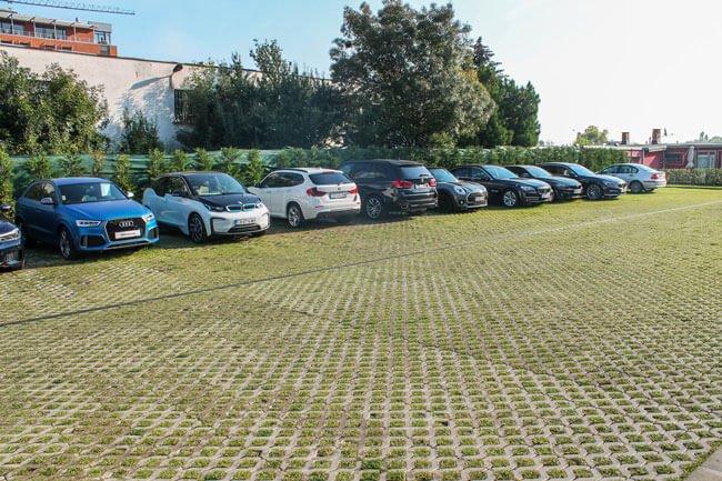 изграждане-на-зелени-паркинги-и-озеленяване-в-шоурум-на-м-кар-софия